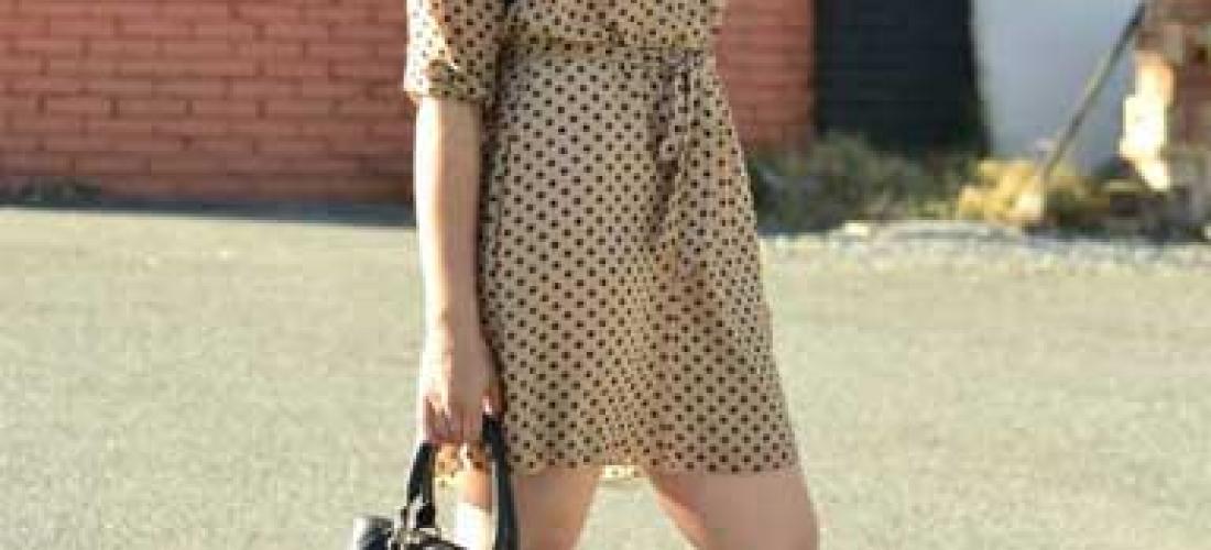 Vestido color khaki y polka dots. Outfit 1