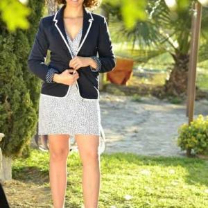 Outfit 2. Vestido con blazer azul marino