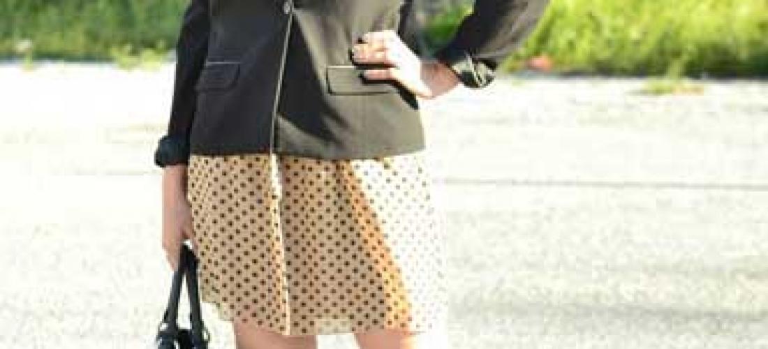 Outfit 3. Blazer negro, zapatilla negra