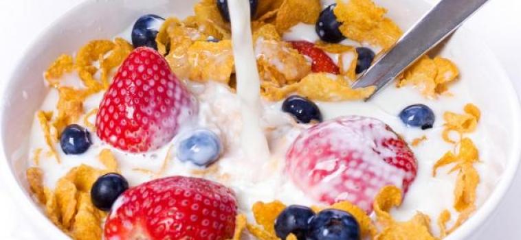 4 razones por las que tu hijo DEBE desayunar